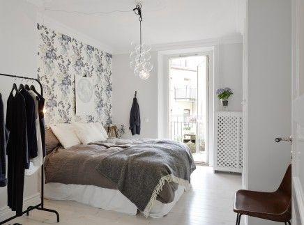 slaapkamer met bloemen behang - slaapkamer | pinterest, Deco ideeën