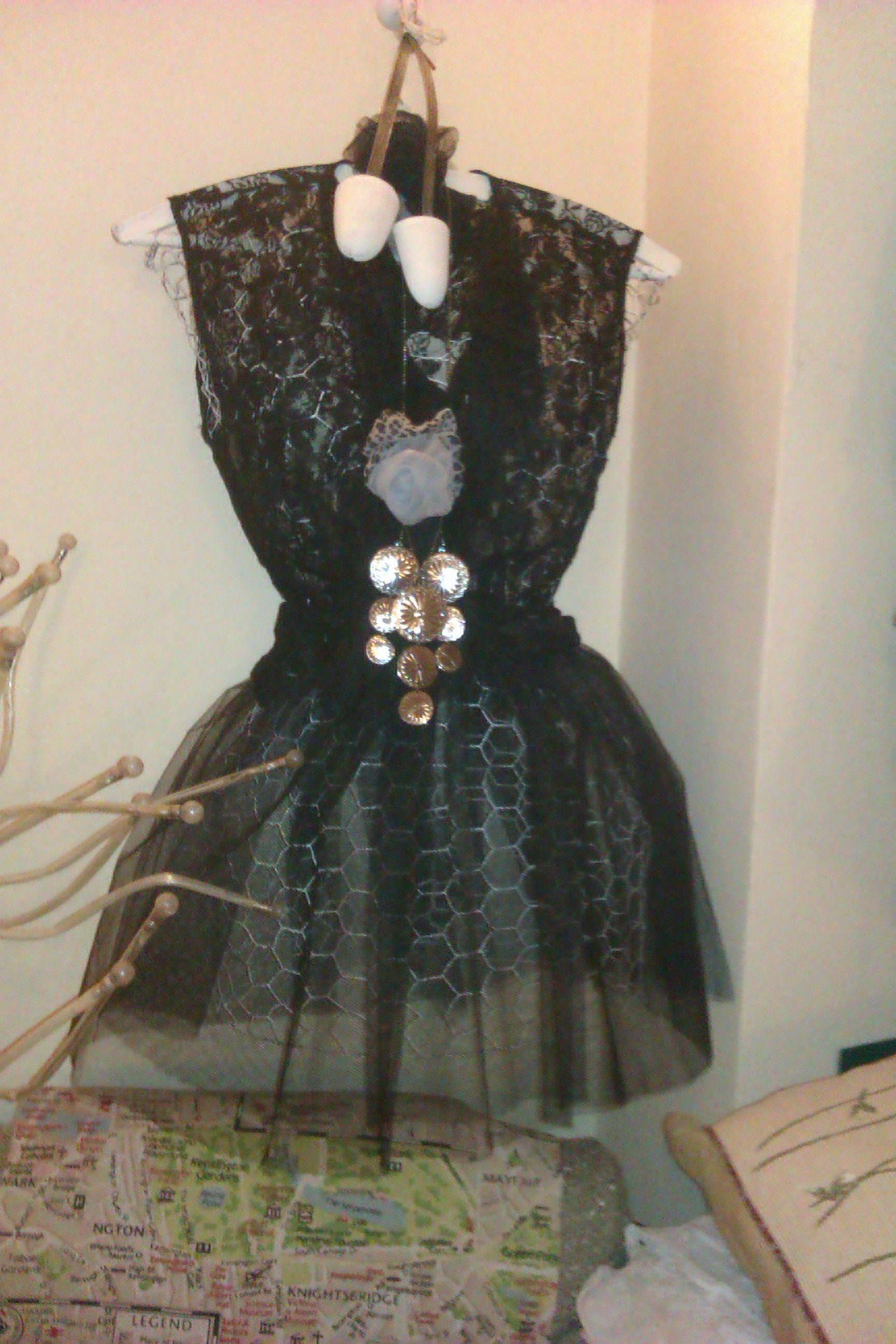 Chicken wire dress form - all dressed up   florals - garden dress ...