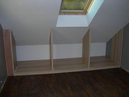 placard sous pente pour la seconde chambre des combles Zabudowa - pose porte coulissante sous pente