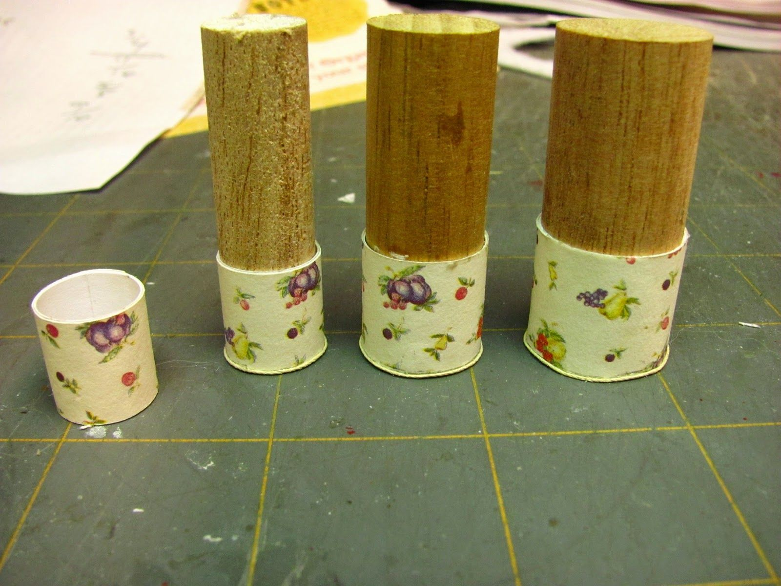 Dollhouse Miniature Furniture - Tutorials | 1 inch minis: 1 INCH SCALE VINTAGE CARD STOCK CANISTER SET - How to make a 1 inch scale vintage ... #dollhouseminiaturetutorials