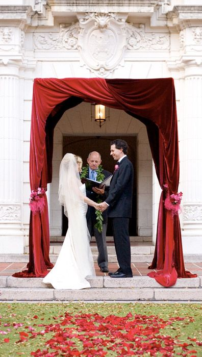 #Ceremony decor #Visionari this can be done with deeper tones and possible hanging bud vases a varying heights with the deep purple lilies and deep red roses. His can be done inside and I have the structure in my inventory