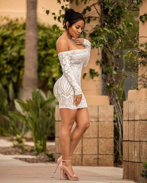 Latina Bubble Butt Blowjob