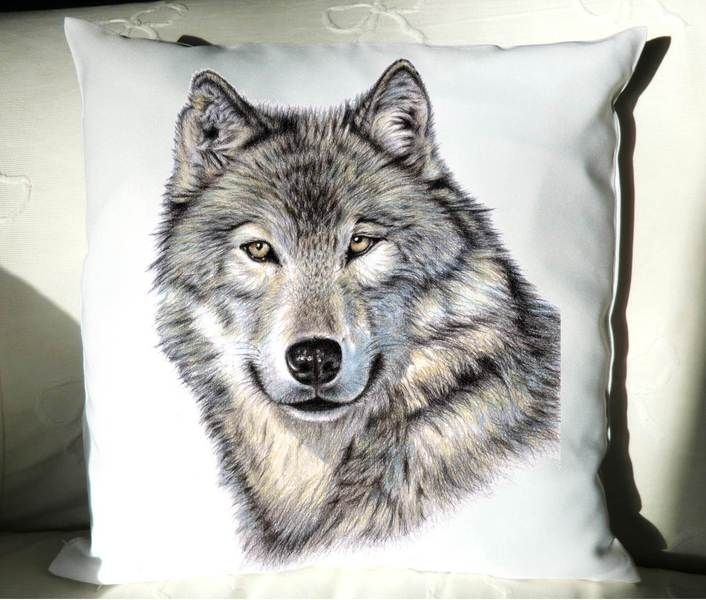 wolf deko kissen 40x40 cm mit tollem tiermotiv von arts dogs by nicole zeug auf. Black Bedroom Furniture Sets. Home Design Ideas