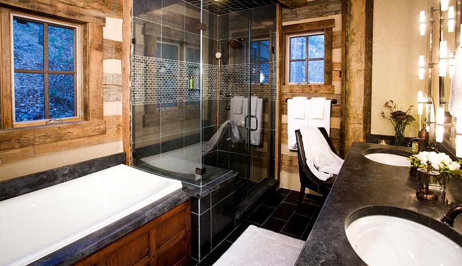 The master bathroom at the Dobie Mountain Lookout. A luxury timber frame home designed by Winterwoods Homes.