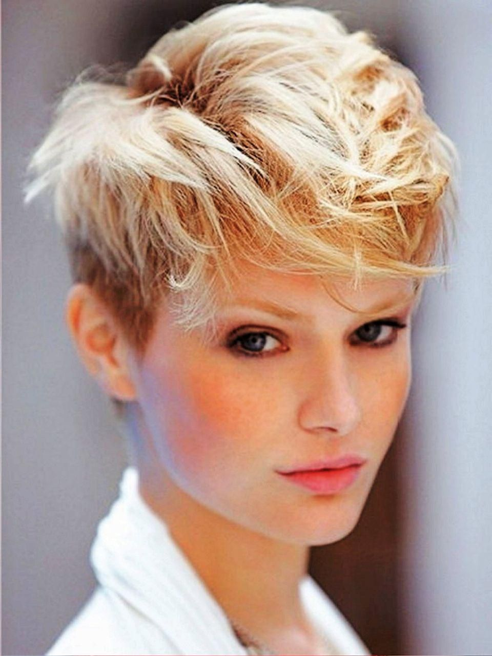 Hairstyles That Men Find Irresistible  Funky short haircuts