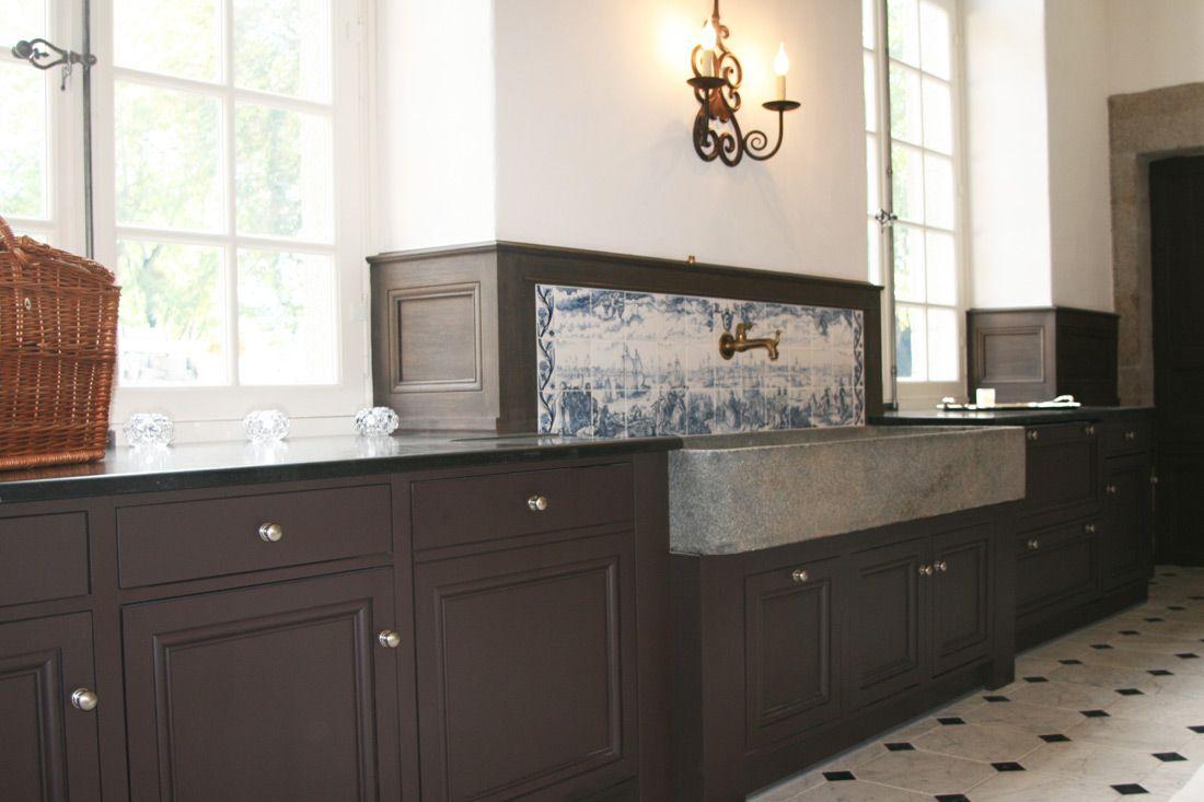 Une cuisine exploitant toute la hauteur de la pièce - AGA 2 fours ...
