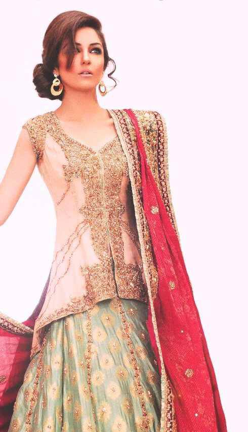 Image from http://www.fashionsplanet.com/wp-content/uploads/2013/01/Pakistani-Designer-Nilofer-Shahid-Bridal-and-Mehdi-Collection-3.jpg.