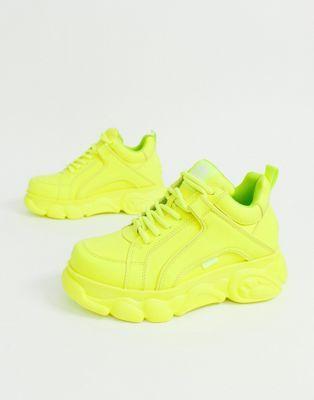 Buffalo Corin neon lowtop platform trainer | Sapatos, Malas