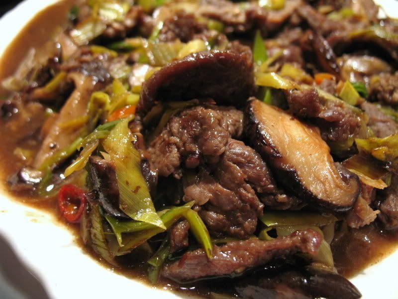 Beef with leeks and shiitake mushrooms shitake mushroom