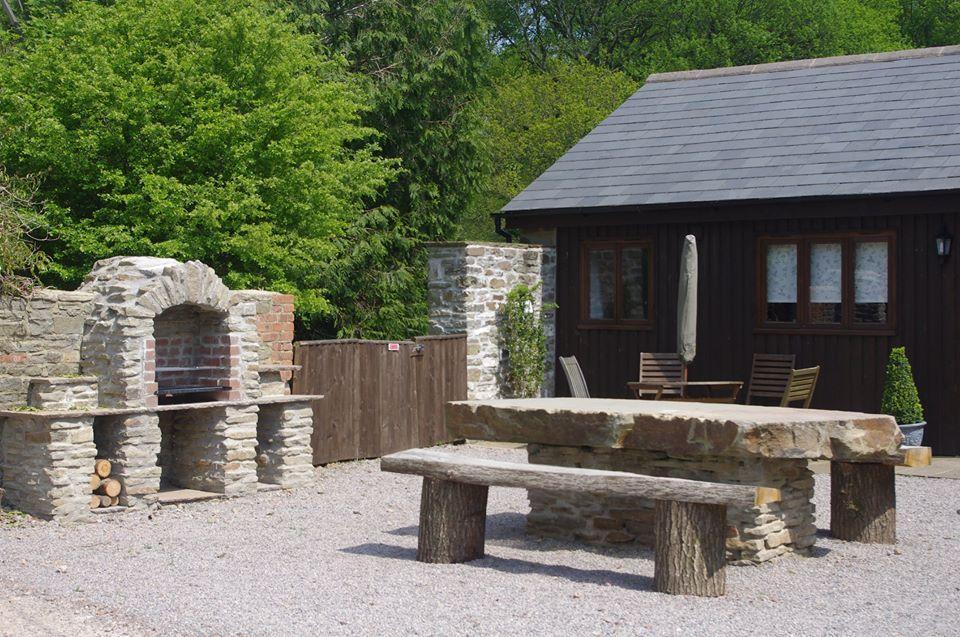Http Forestofdeanlodges Co Uk Forest Of Dean Lodges Holiday Cottages Forest Of Dean Cottages Cottages In The Forest Of Dean For Couples With Hot Tubs
