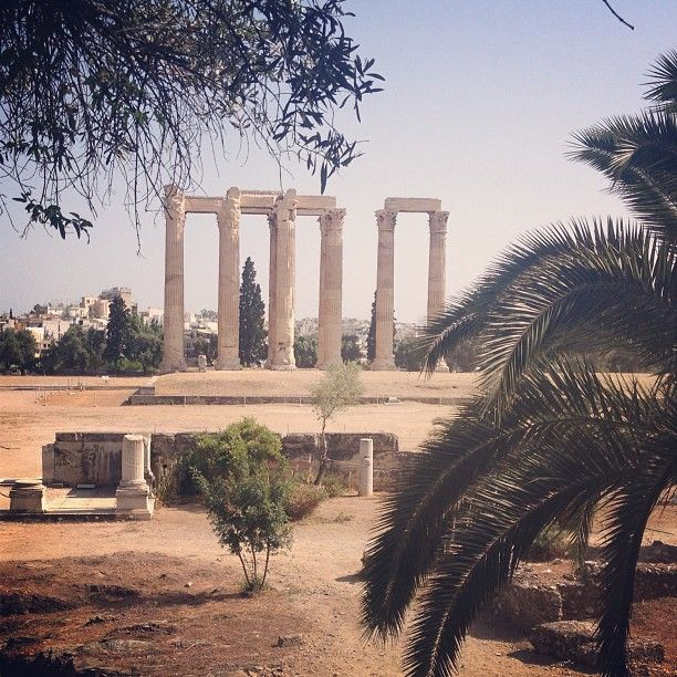 dmitrybarsov Ναός Ολυμπίου Διός (Temple Of Olympian Zeus) #ancient #ruins of #temple of #zeus the #olympian in #athens in #greece #vkgram http://instagram.com/p/aC25J-h5-h/