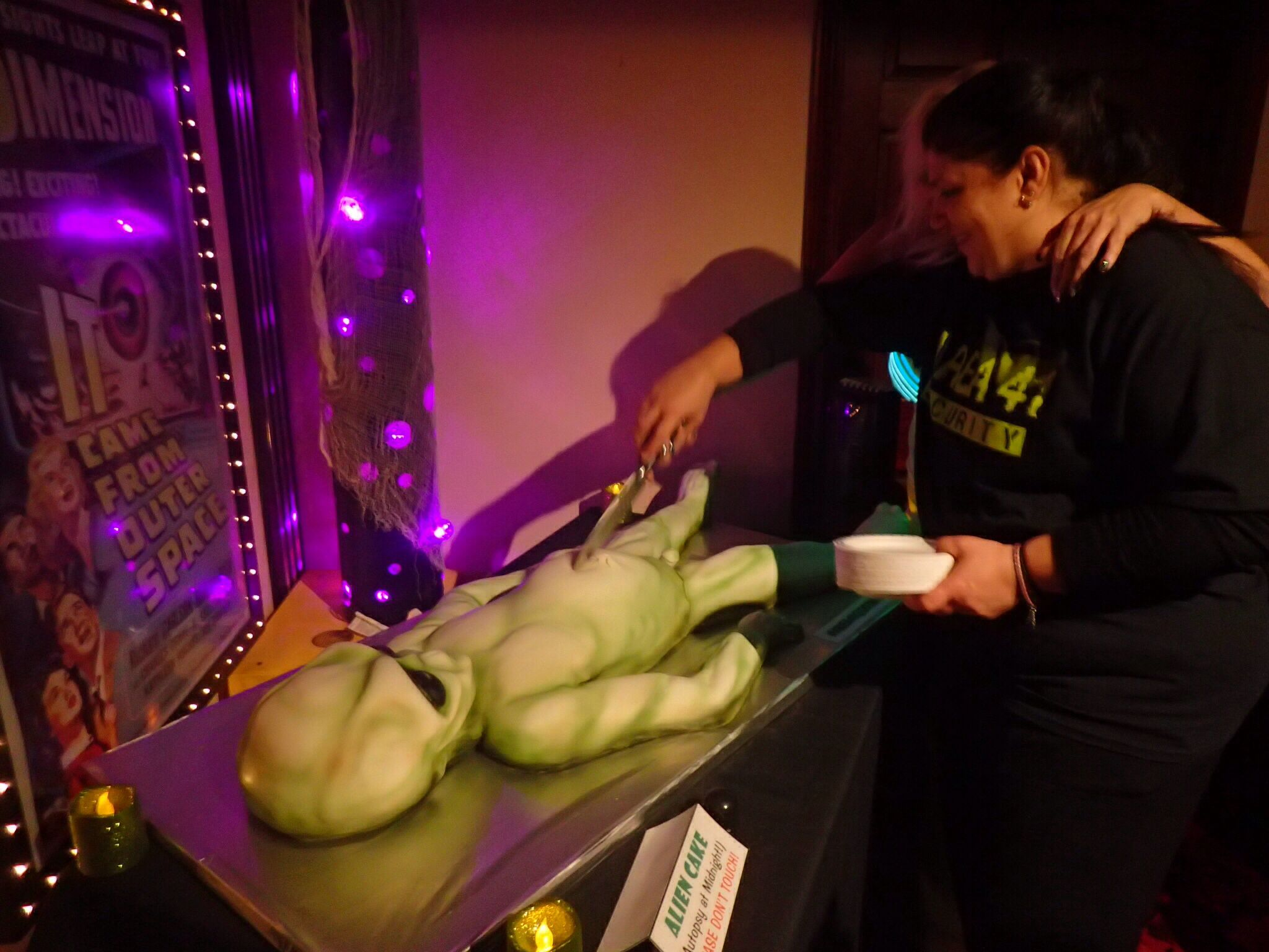 Alien autopsy cake made for Area 51 Halloween party. | Area 51 ...
