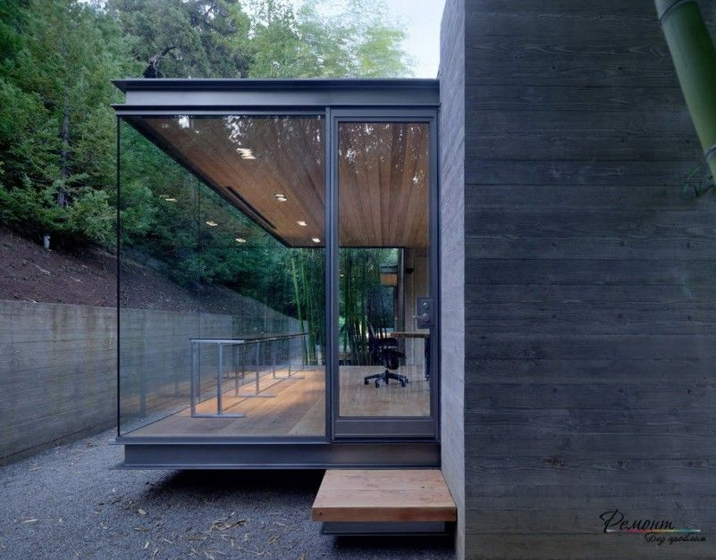 Fresh Natural Forest View From A Minimalist Glass House Design Close