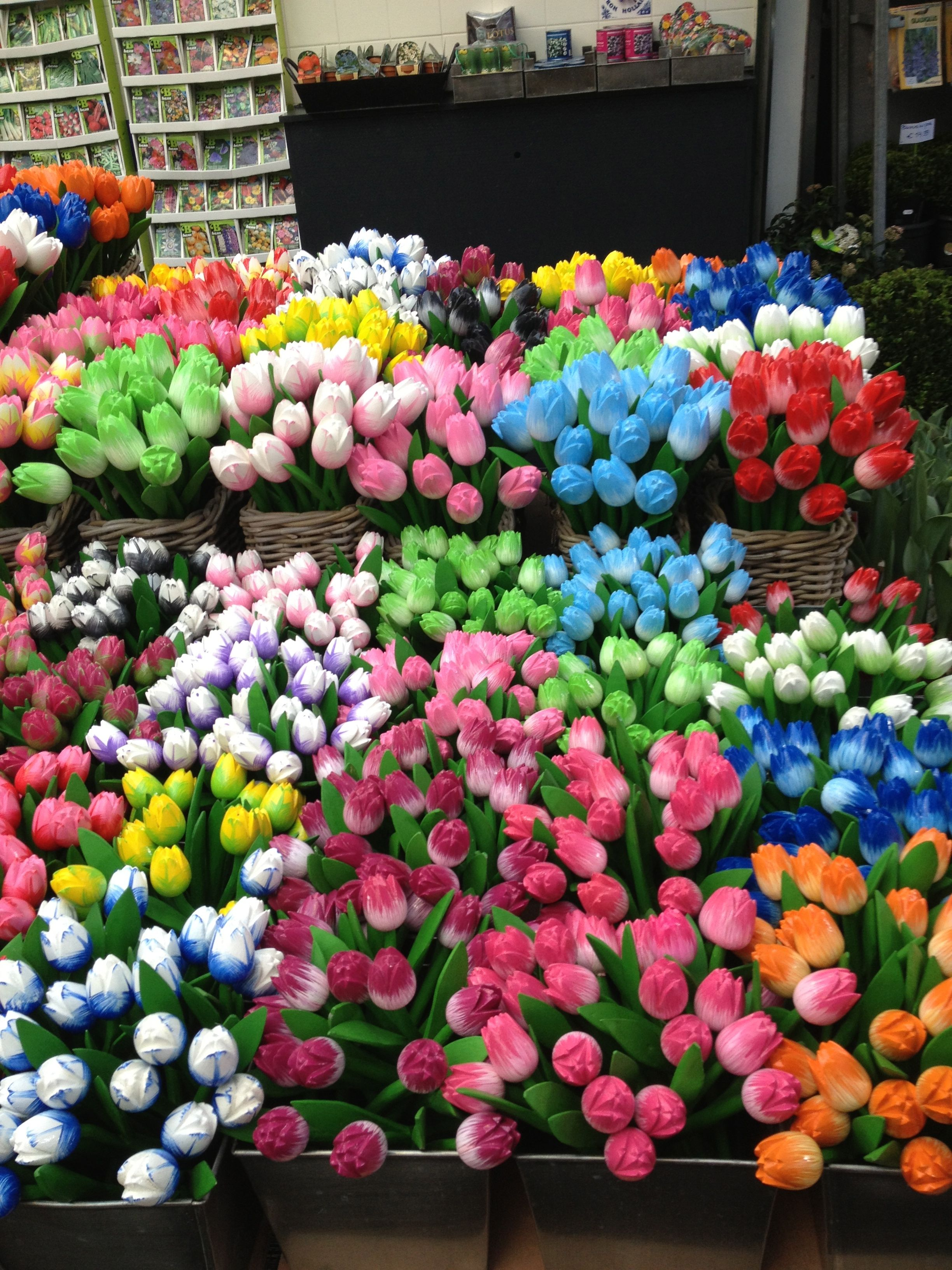 Gorgeous Tulips In Amsterdam Flower Stands Flower Market Flowers For Sale