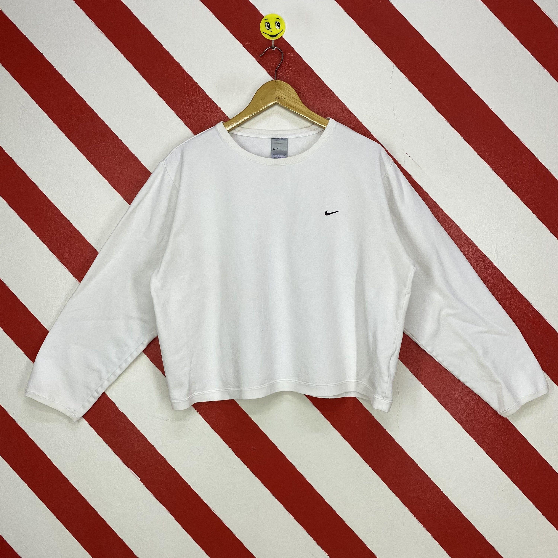 Vintage Nike Sweatshirt Crewneck Nike Swoosh Crop Top Sweater Etsy Nike Sweatshirts Vintage Nike Sweatshirt Vintage Nike [ 3000 x 3000 Pixel ]