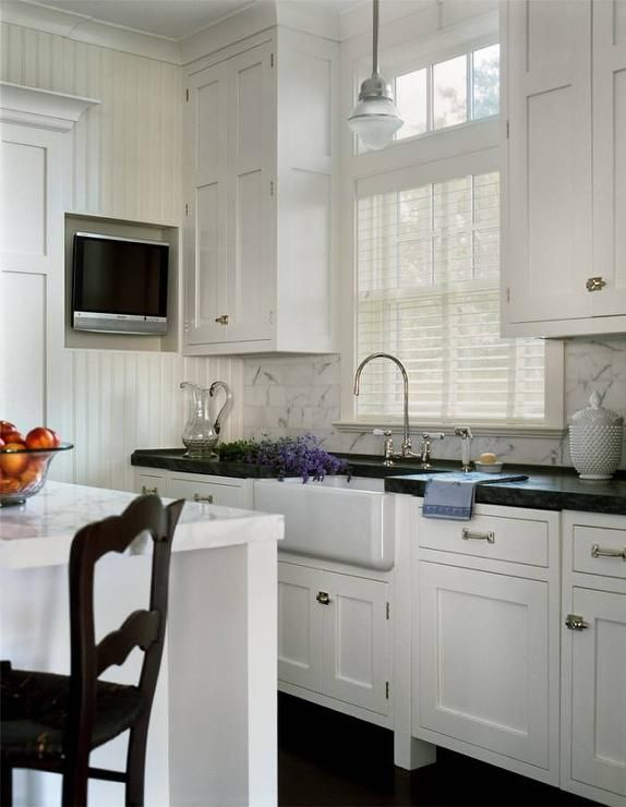 Best Cottage Kitchen Features White Shaker Cabinets Adorned 640 x 480