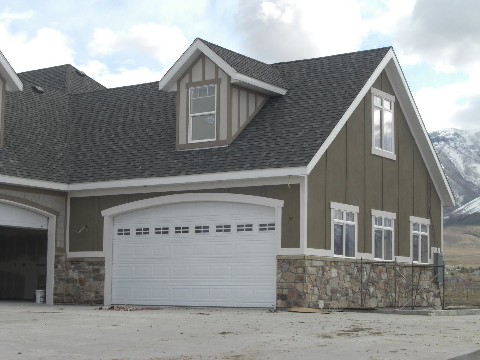 Pin by michelle underwood on new house pinterest for Stucco board siding