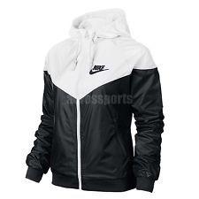 nike lightweight jacket ladies