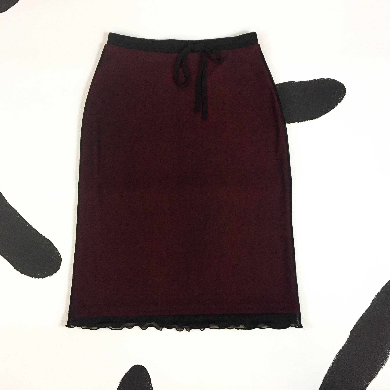 402e65af59 90s Red and Black Mesh Overlay Skirt   Wavy Hem   Lettuce Hem   Curly Hem    y2k   Club Kid   Goth   Cyber   Jawbreaker   Small   Medium   by ...