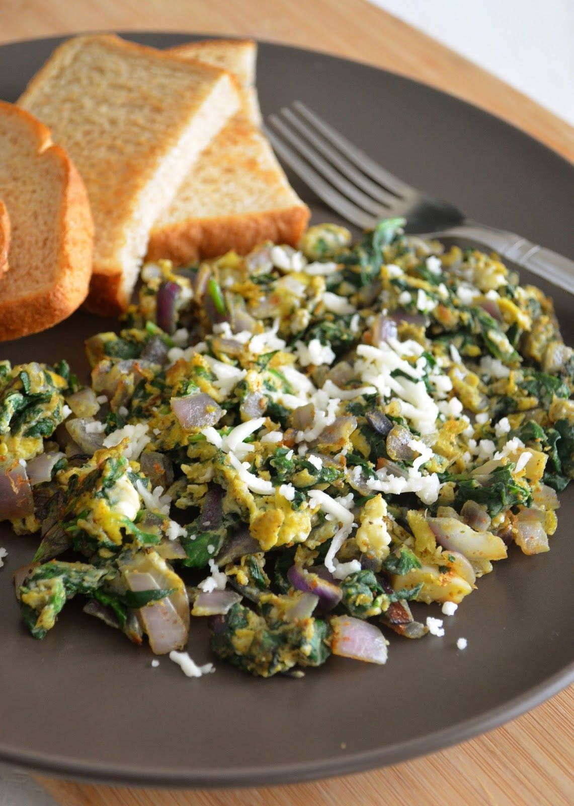 Dishing With Divya: Scrambled Eggs with Spinach and Sweet Toast