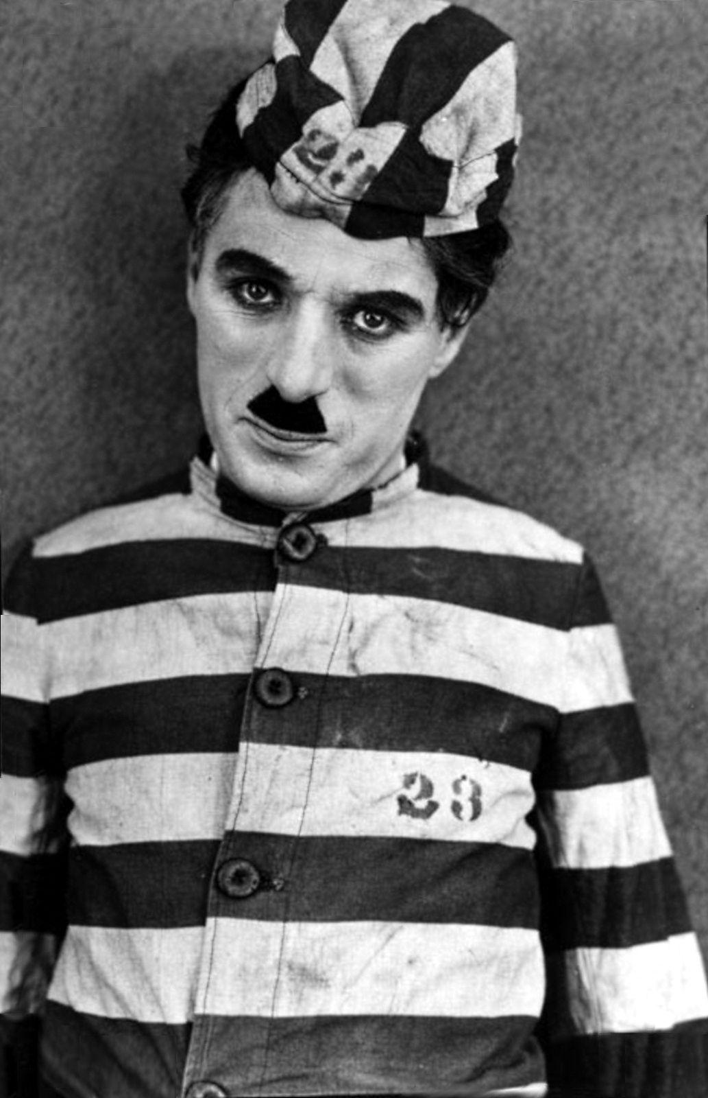 "Charles Chaplin en ""El Aventurero"", 1917"