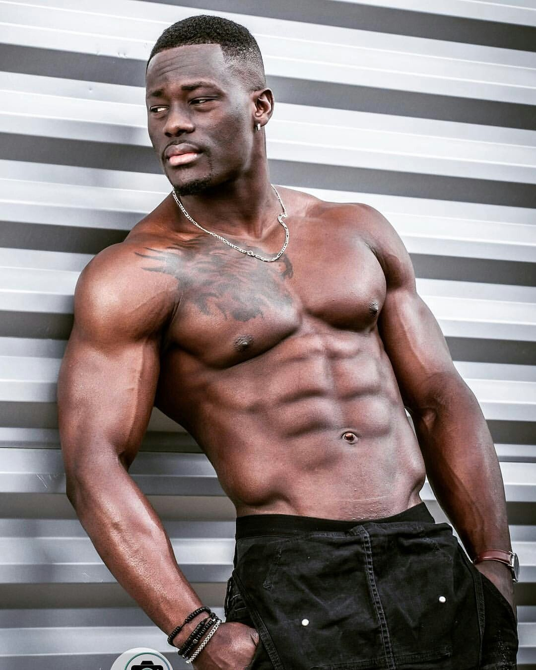 Pin By Uw Ku On Colored Men Iv Gym Pictures Handsome Men