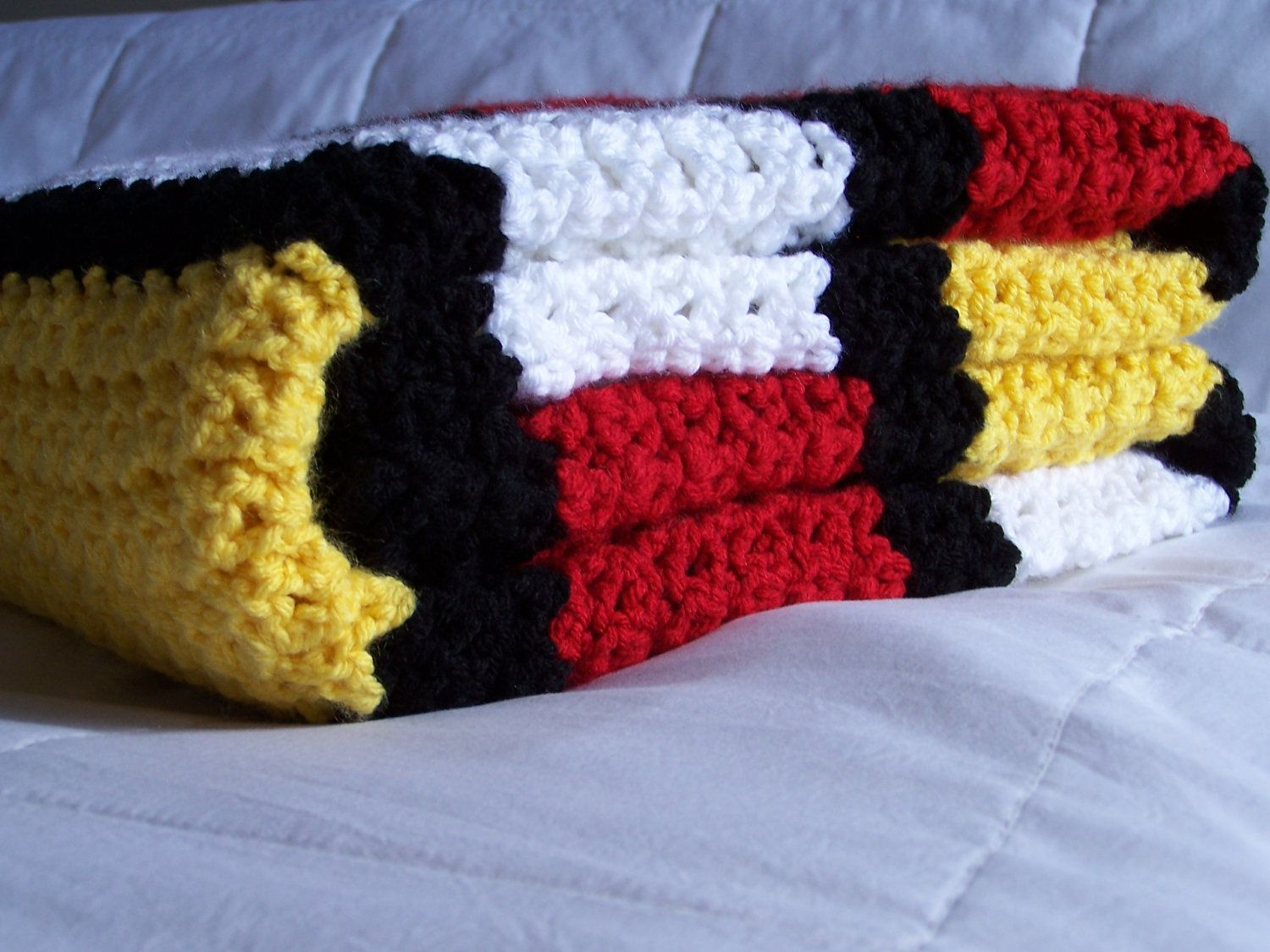 mickey mouse blanket - Google Search | Im obsessed with yarn.. Its ...