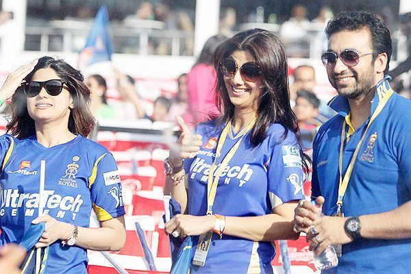 Rajasthan Royals owner Shilpa Shetty, her husband Raj Kundra and sister Shamita Shetty during IPL match against Delhi Daredevils, in New Delhi, on April 6, 2013 — at Salt Lake Stadium.
