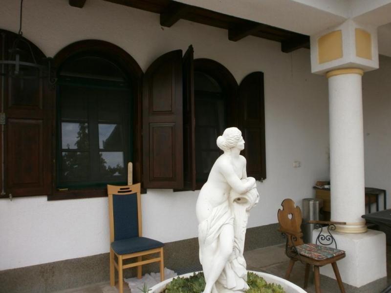 Dieses großzügige Landhaus\/Ferienhaus befindet sich in einer - schöne bilder für wohnzimmer