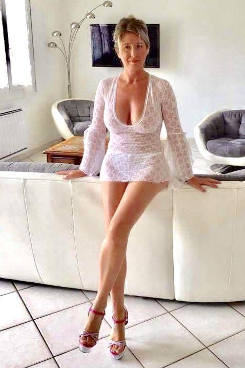 Nylons Sexy Older Women Sexy High Heels Beautiful Legs Beautiful Women