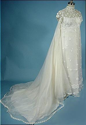1974 Priscilla of Boston Wedding Gown of Daisy Appliques on Organdy ...