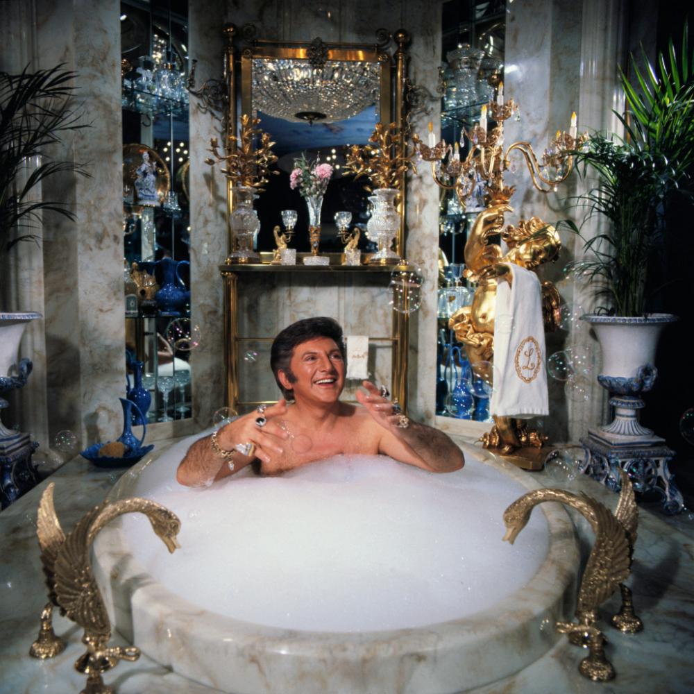 Hot Shots Liberace Behind The Candelabra Bathtub