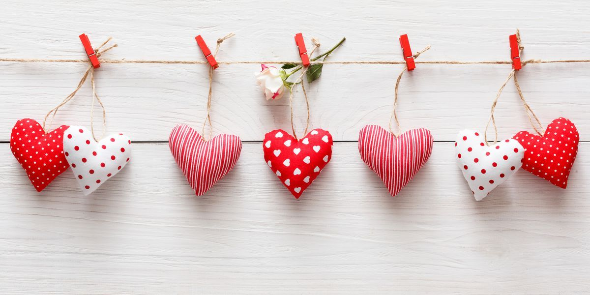 20 Sweet And Simple Diy Valentine S Day Decorations Valentine Decor Valentine S Day Diy Valentine Day Crafts Valentines Diy