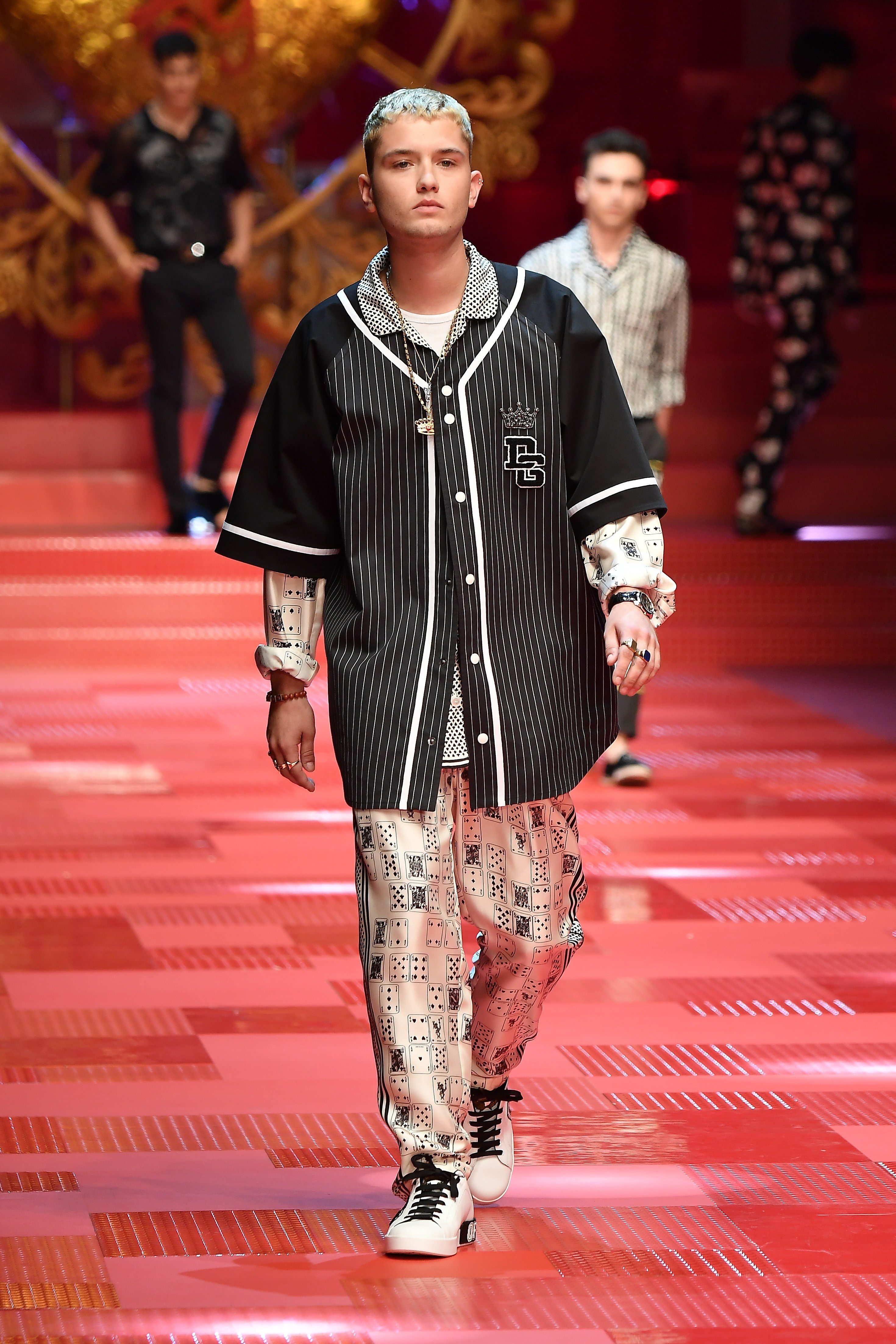 All The Scions At Dolce Gabbana S Spring 2018 Men S Show Milan Men S Fashion Week Dolce And Gabbana Fashion