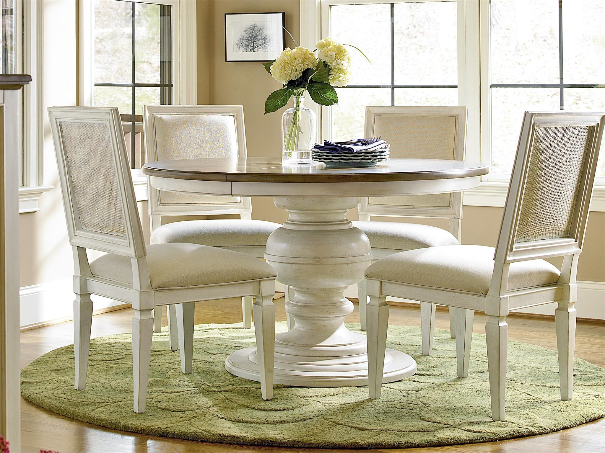 Universal Furniture Summer Hill Round Dining Table Round