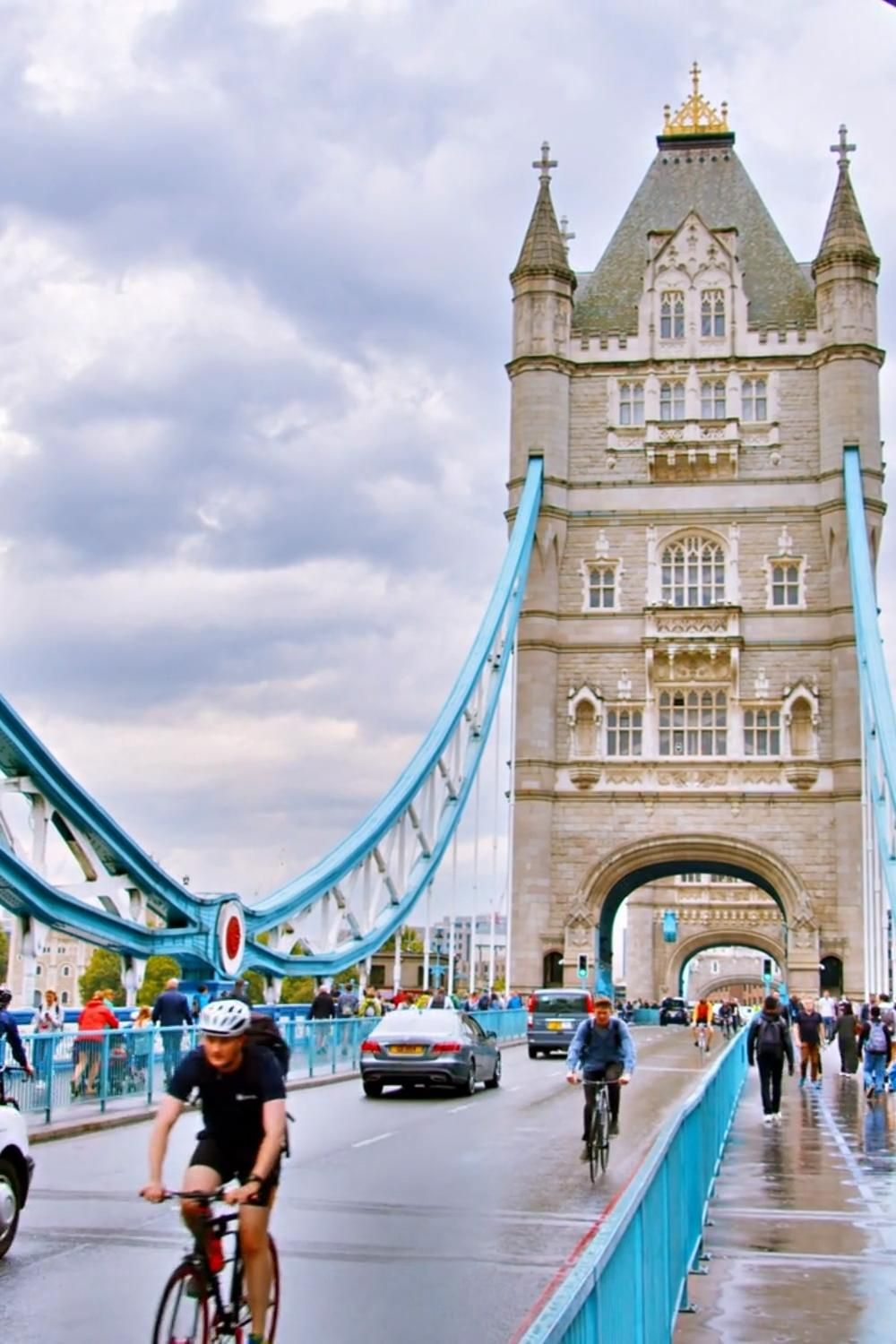 London Travel Guide - Tips On Must-Sees And Thing To Do - #LondonGuide | London Must See Bucket Lists | London Itinerary First Time | London Places To Visit | London Places To Stay | London Hotels Affordable | London Hotel View | London Tower Bridge Photography | Tower Bridge London Instagram Captions