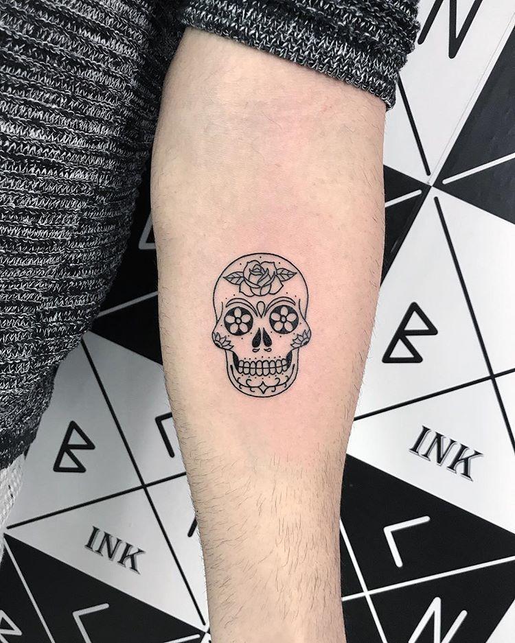 Minimale Inspiration Inkstinct Mexikanische Schadel Zitate Verfugbar Bei Marta Ink Sie Konnen Mir Von Dm Sc In 2020 Tattoo Line Mexikanische Schadel Tattoo Ideen