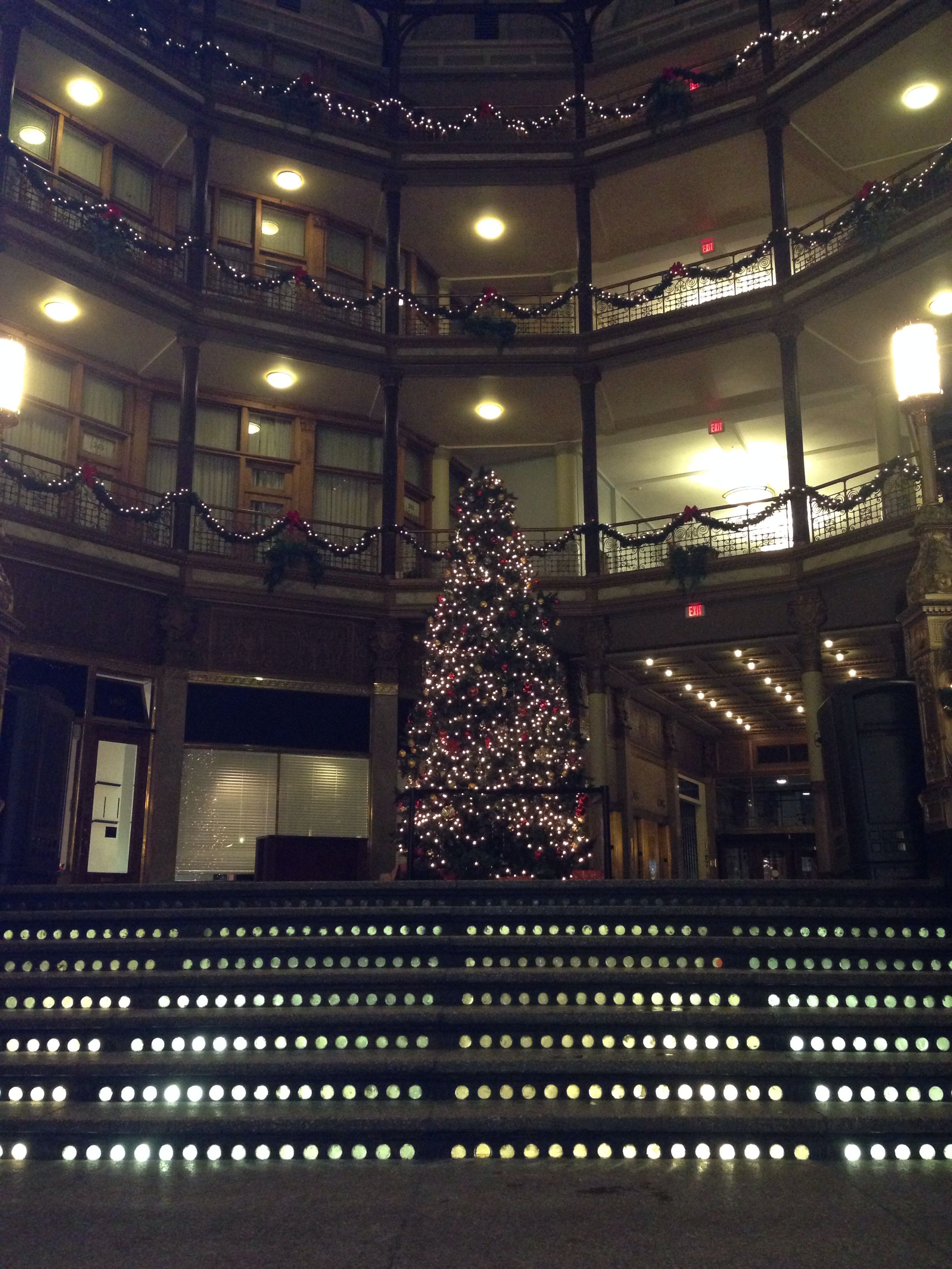 Christmas In The Old Arcade Cleveland Ohio Cleveland Ohio Broadway Shows Cleveland Rocks