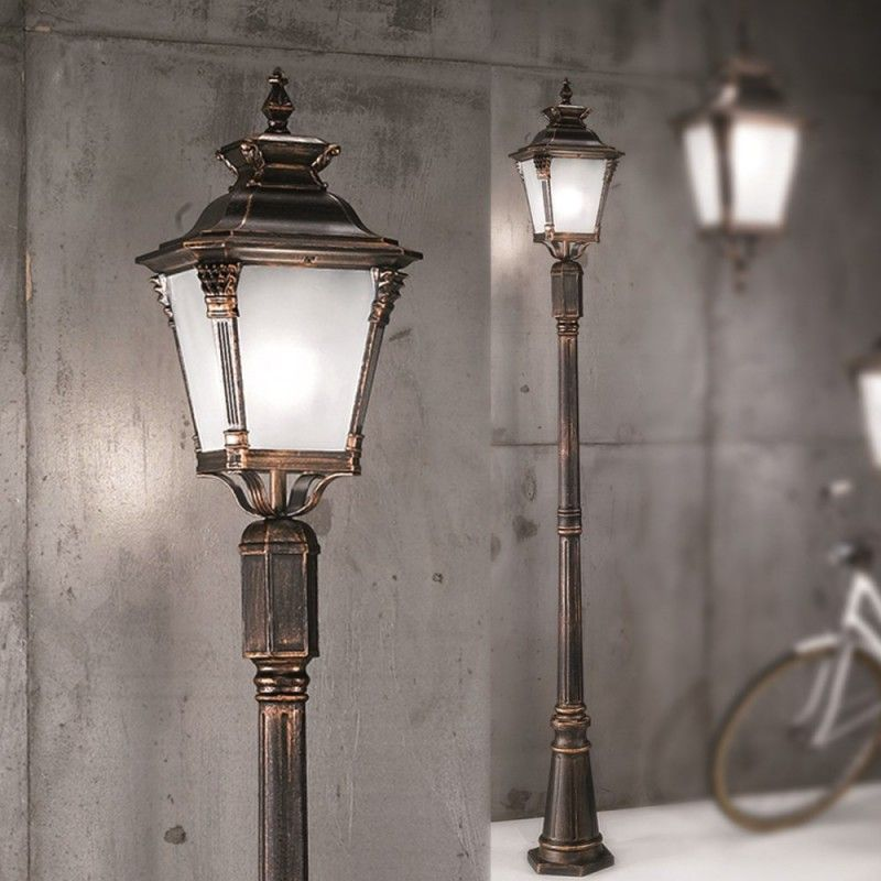 Orion Teichhof Antique Brass Outdoor Lamp Post