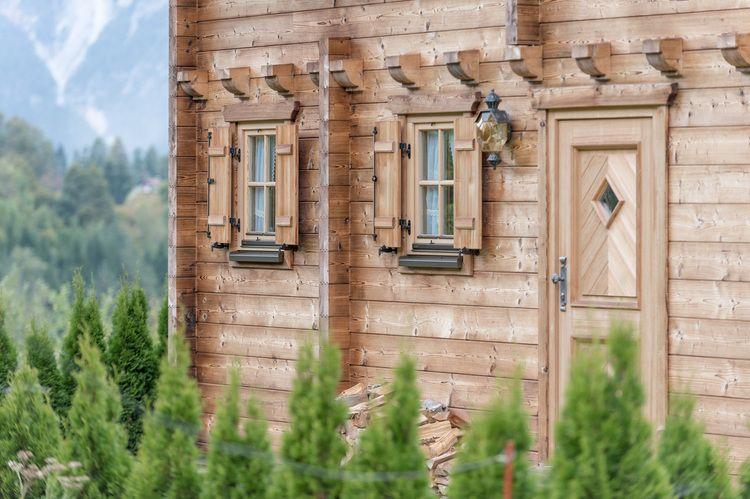 Fenster außenansicht haus  oetztal chalet tirol haus aussenansicht rückseite haustür fenster ...