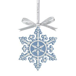 WEDGWOOD-SNOWFLAKE-ORNAMENT-BLUE-WHITE-COLLECTIBLE-NEW-IN-BOX