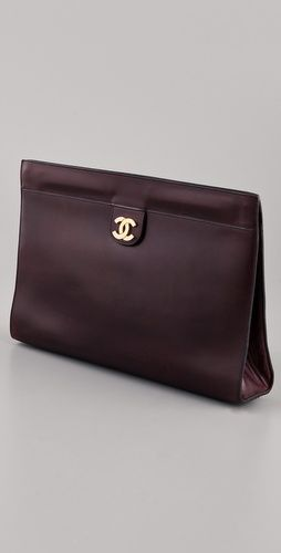 Vintage Chanel clutch. What a dream it would be to find this at a second- hand or consignment store. 274b1f93ec2d4