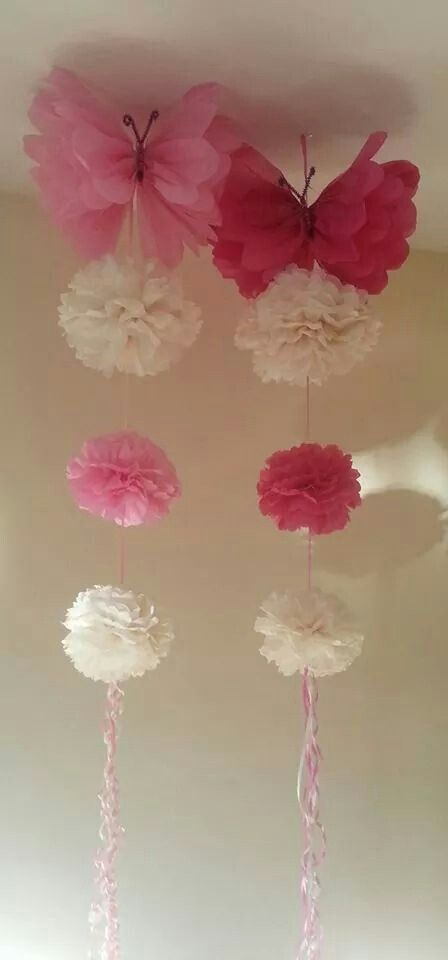Pink & White tissue paper flowers and butterflies!!! Hermosos ...
