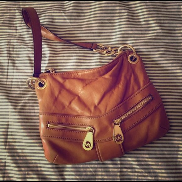 Michael Kors Handbag Softest Leather Ever Looks Great With Any Outfit Gets So Many Compliments A Little Worn The Price Is Negotiable