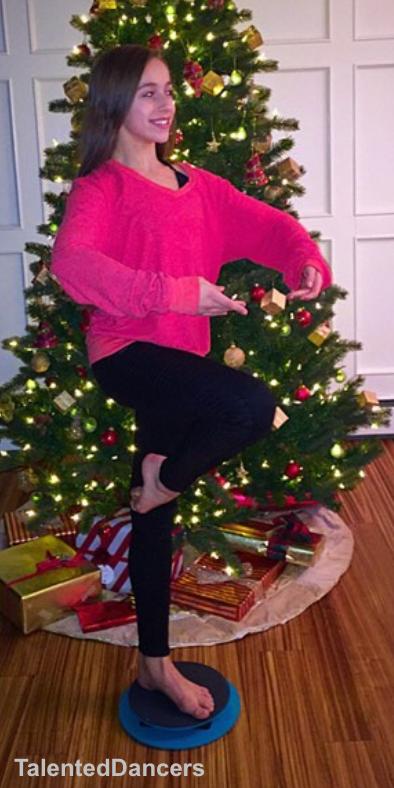 McRaeTate Mcrae, Tate, Christmas tree skirt