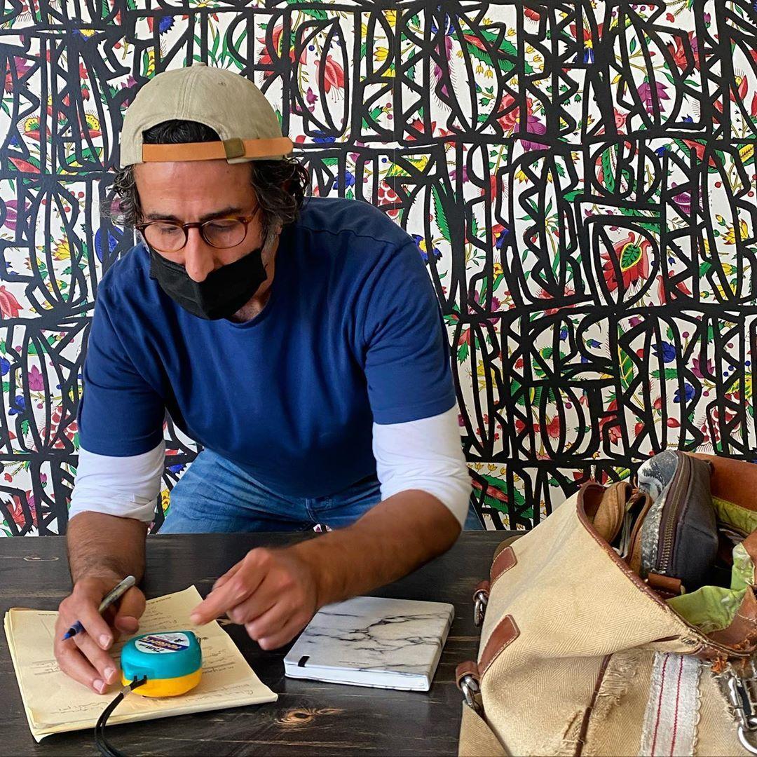Nawaf N Al Nassar On Instagram حين أصمم أترك كل شيء منغلقا على ذاته عدا الزخارف تضطرب في الر دهات المحاطة حولي زخارف Panama Hat Wallpaper Hats