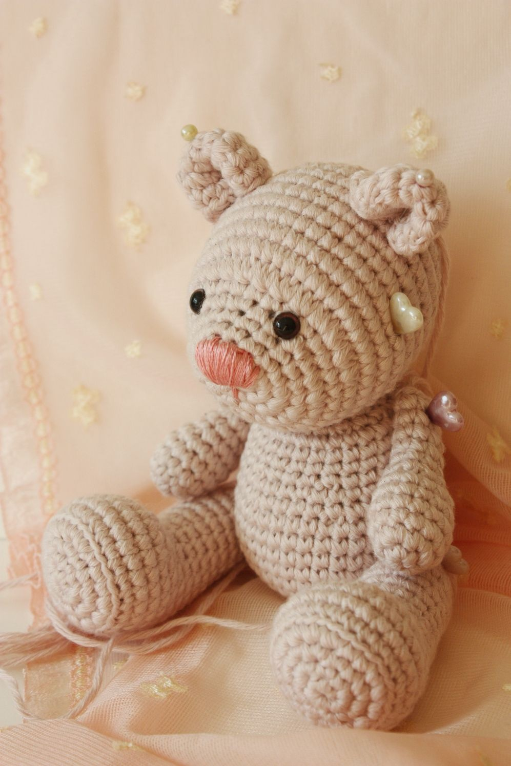 Making crochet teddy bears Making tiny teddy bears. First photo of ...