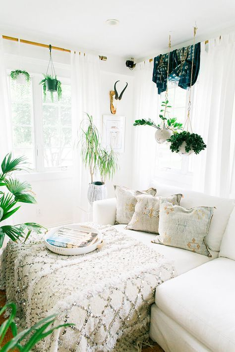 25 Bohemian Bedroom Decor Ideas That Will Make You Want To Redecorate ASAP All White With Pops Of Greenery