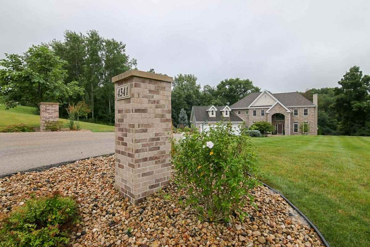 4341 Gils Way  Cross Plains , WI  53528  - $675,000  #CrossPlainsWI #CrossPlainsWIRealEstate Click for more pics