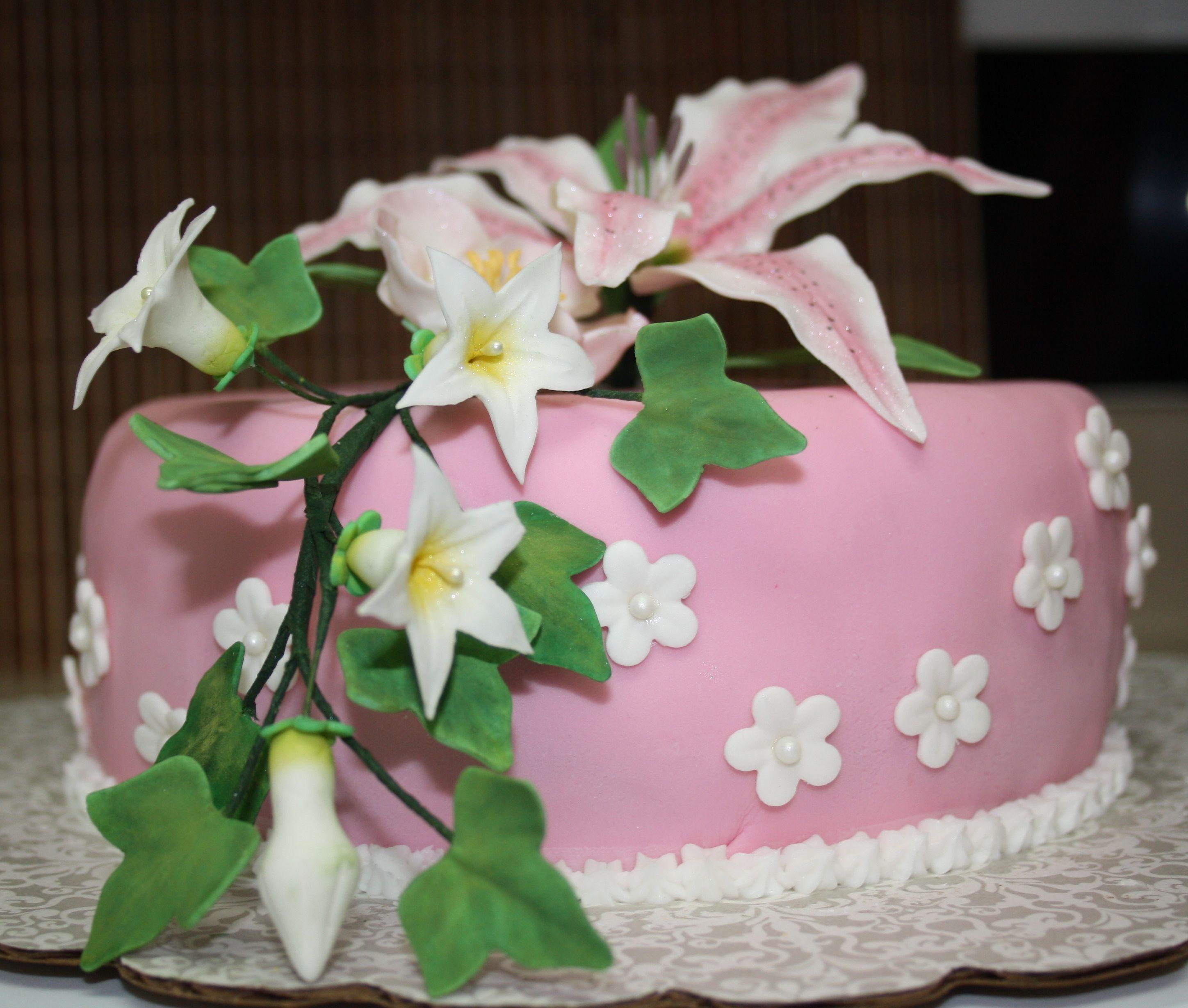 wiltoncontest cake for final class wilton method course 4 advanced gum paste flowers - Michaels Cake Decorating Class